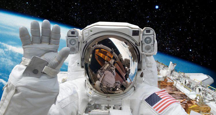 Astronaut-750x400
